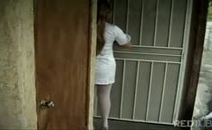 Enfermeira chupando e fodida no sofá