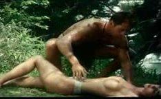 Tarzan e Jane fazendo sexo