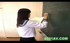 Colegial japonesa de meias gozada