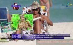 Thatiana Pagung mostrando a bunda gostosa na praia
