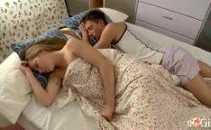 Outra novinha incrivel fodida na cama