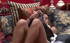 Letícia do BBB14 com as o peitos de fora