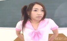 Ensino de buceta na escola asiática