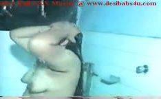 Sexo indiano com tia fodendo no banheiro com sobrinho