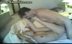 Garota chorando sendo fodida no quarto de motel
