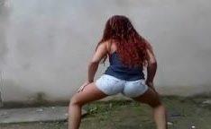 Novinha de cabelos vermelho caiu na net rebolando funk