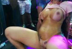 Elisa Sanches fodendo gostoso no baile de carnaval